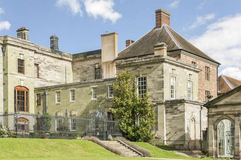 4 Bedrooms Country House Character Property for sale in Stoneleigh Abbey, Kenilworth, Warwickshire