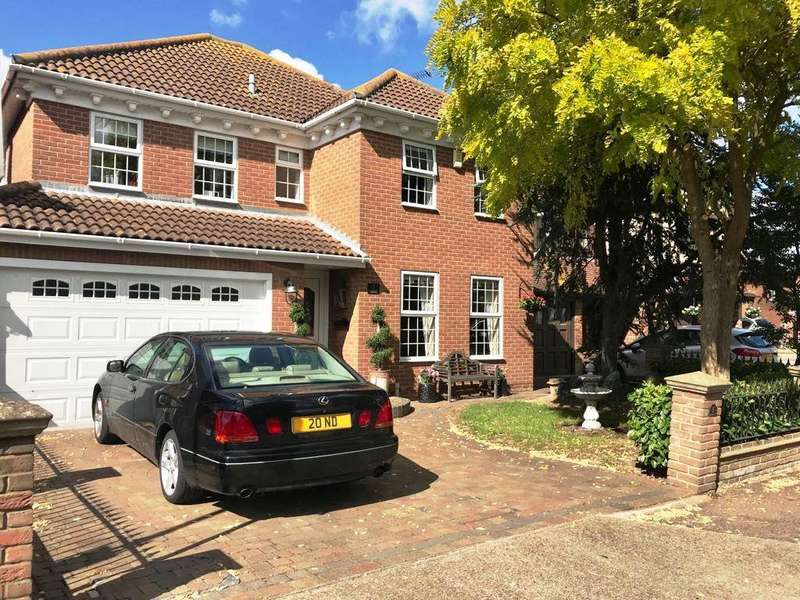 4 Bedrooms Detached House for sale in Silver Point Marine, Canvey Island