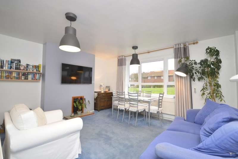 2 Bedrooms Flat for sale in Abbots Avenue West, St. Albans, AL1