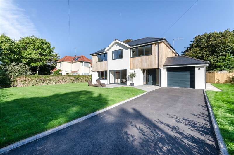 6 Bedrooms Detached House for sale in Little Paddocks, Ferring, West Sussex, BN12