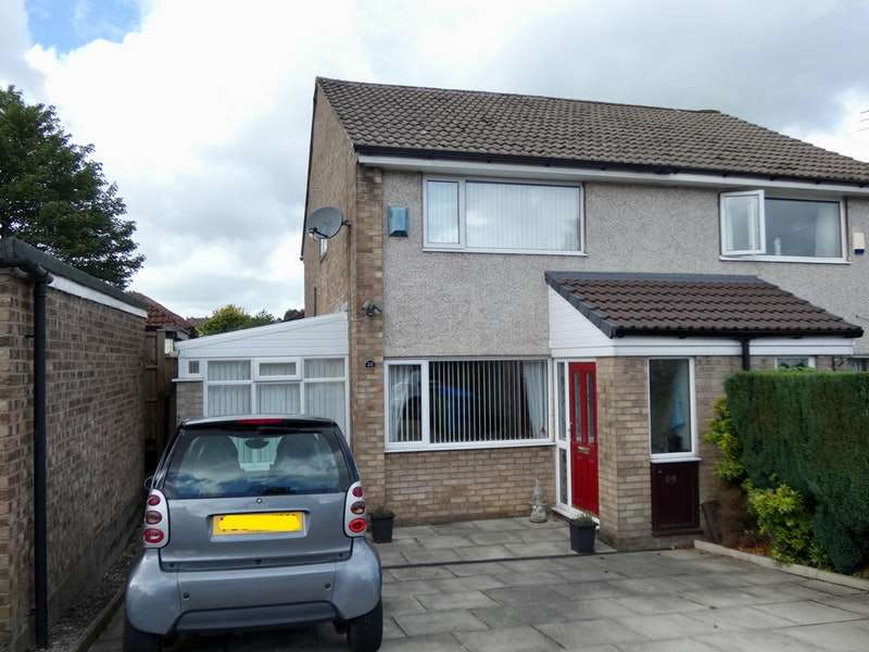 2 Bedrooms Semi Detached House for sale in Hartford Avenue, Heywood, Greater Manchester, OL10