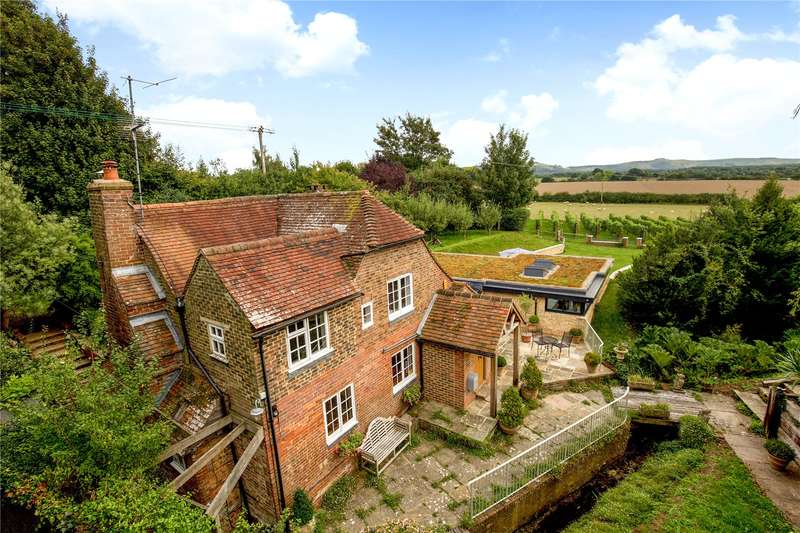 4 Bedrooms Detached House for sale in Church Lane, Albourne, Hassocks, West Sussex, BN6