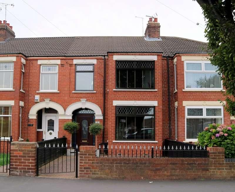 3 Bedrooms Terraced House for sale in Gillshill Road, Hull, HU8