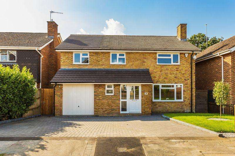 5 Bedrooms Detached House for sale in Burpham, Guildford