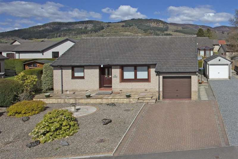 3 Bedrooms Detached Bungalow for sale in Knockard Crescent, Pitlochry