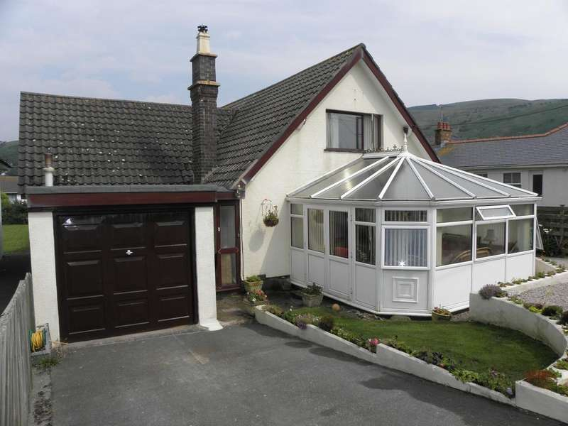 4 Bedrooms Detached House for sale in Farcroft, Fairbourne, LL38 2DZ