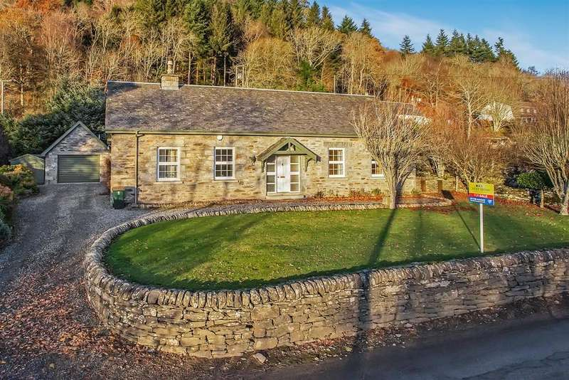 4 Bedrooms Detached House for sale in Kirklands, Weem, Aberfeldy