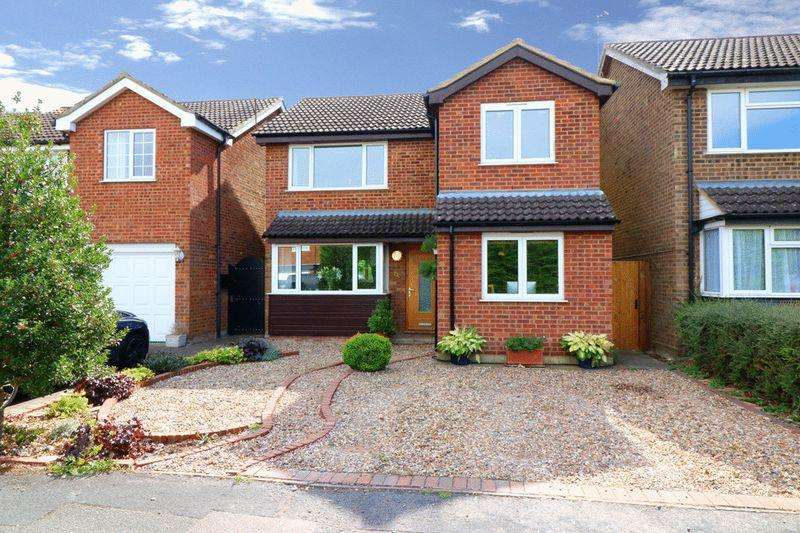 3 Bedrooms Detached House for sale in Crispin Field, Pitstone