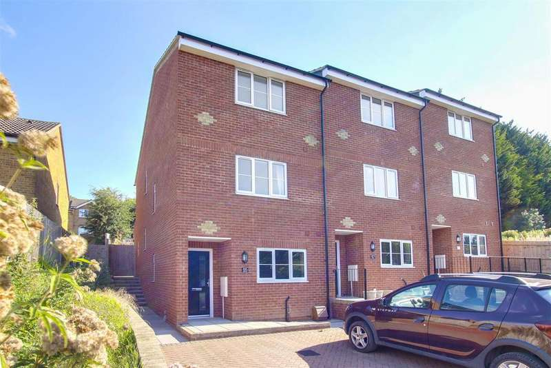 3 Bedrooms House for sale in Valley Road, Newhaven