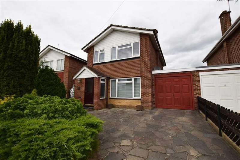 3 Bedrooms Detached House for sale in Abbotts Drive, Stanford-le-hope, Essex