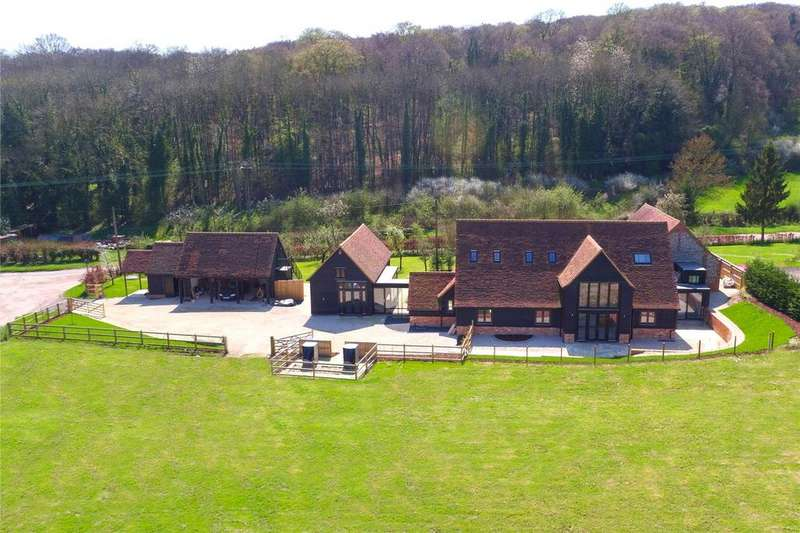 5 Bedrooms Barn Conversion Character Property for sale in Valley View Barn, Winchbottom Lane, Little Marlow, Buckinghamshire, HP10