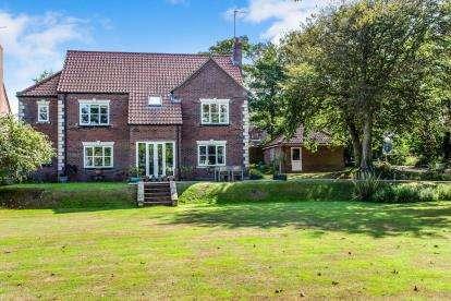 6 Bedrooms Detached House for sale in Mundesley, Norfolk, United Kingdom