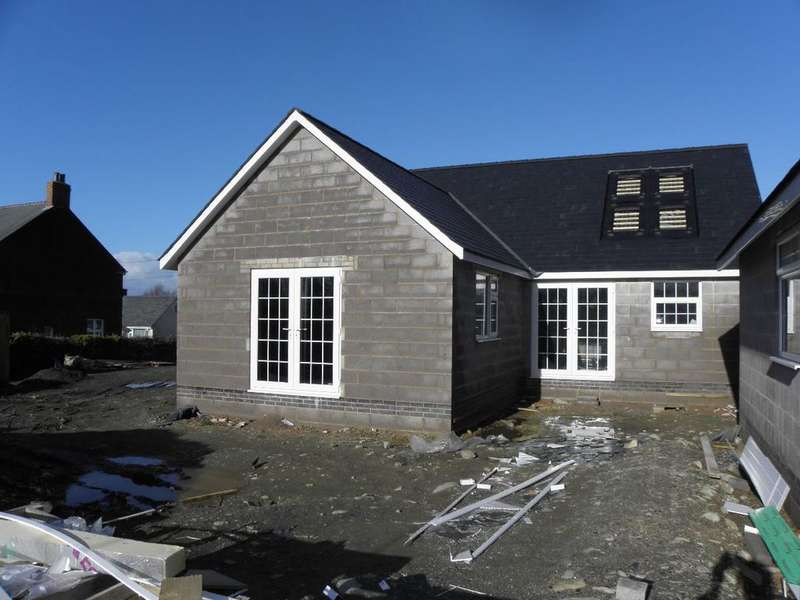 3 Bedrooms Bungalow for sale in Building Plots (nr Gwynfryn), Llwyngwril, LL37 2JD