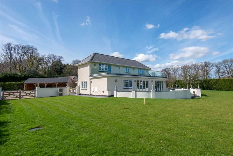 5 Bedrooms Detached House for sale in Main Road, Dibden, Southampton, Hampshire, SO45