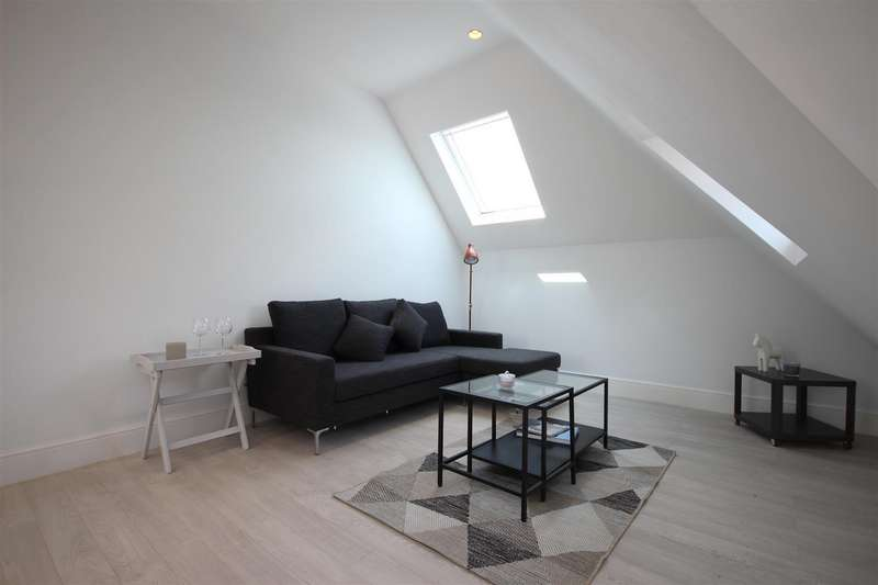 2 Bedrooms Flat for sale in Craven Park, London, NW10 4AB