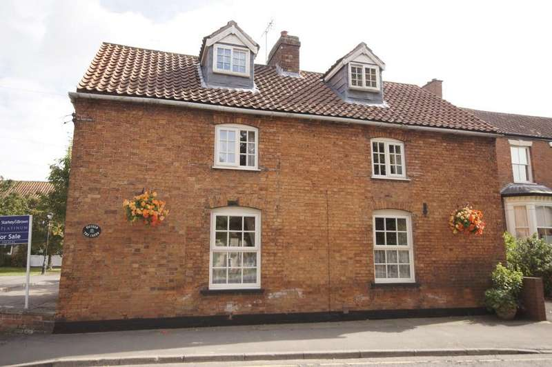 4 Bedrooms Detached House for sale in The Green, Nettleham, Lincoln
