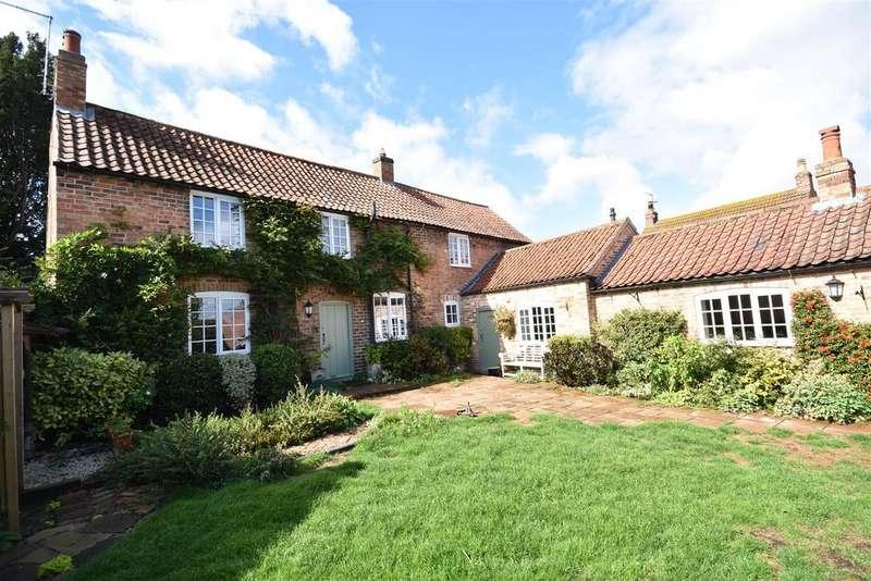4 Bedrooms Detached House for sale in Chapel Lane, Coddington