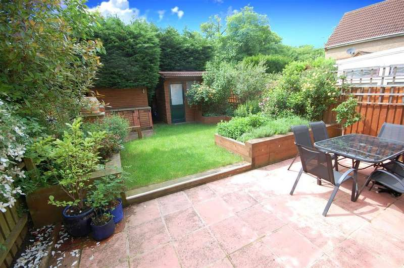 2 Bedrooms End Of Terrace House for sale in Kingsmill Court, Hatfield