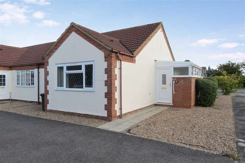 2 Bedrooms Bungalow for sale in Copeland Court, Grantham Road, Sleaford