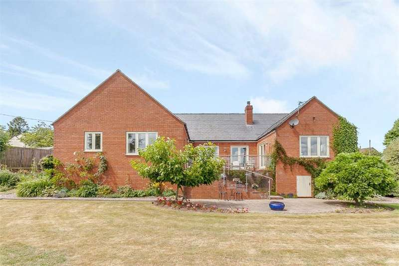4 Bedrooms Detached Bungalow for sale in Kingsthorne, Herefordshire