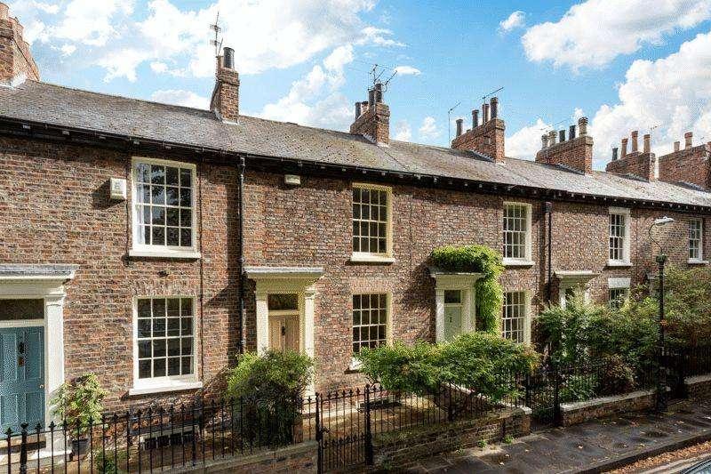 4 Bedrooms Terraced House for sale in Dewsbury Terrace, York
