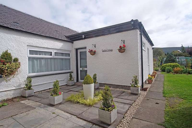 2 Bedrooms Semi Detached House for sale in Garden Cottage, 49 High Street, Innerleithen EH44 6HD