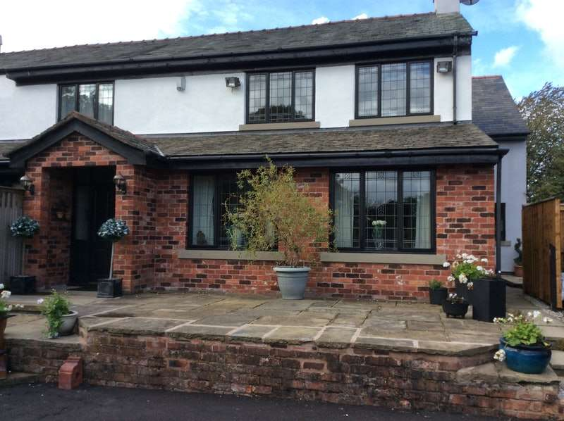 4 Bedrooms Semi Detached House for sale in Stakehill Lane, Manchester, Greater Manchester, M24