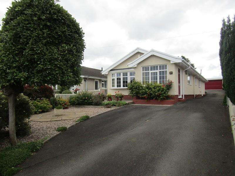 4 Bedrooms Detached Bungalow for sale in Cefn Road, Glais, Swansea, City And County of Swansea.