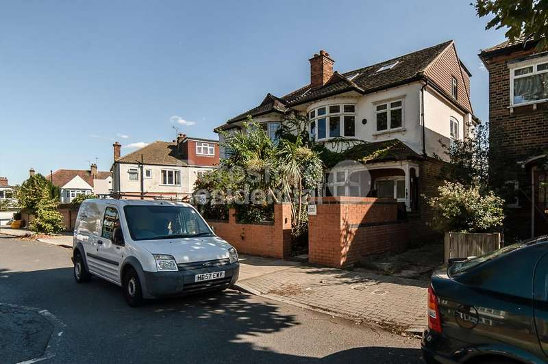 4 Bedrooms Semi Detached House for sale in Canterbury Grove, West Norwood, SE27