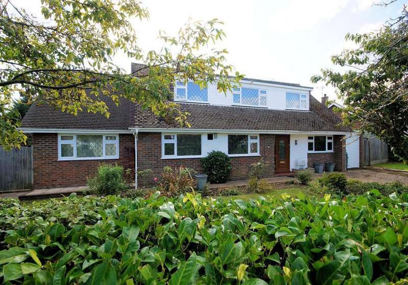 4 Bedrooms Detached House for sale in Andrew Close, Steyning, West Sussex, BN44 3PA