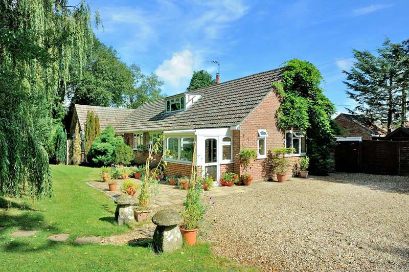 4 Bedrooms Detached Bungalow for sale in The Dell, Station Road, Semley, Dorset, SP7 9AH