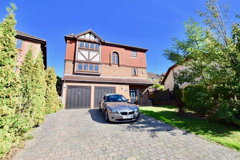 6 Bedrooms Detached House for sale in Truman Drive, St. Leonards-On-Sea