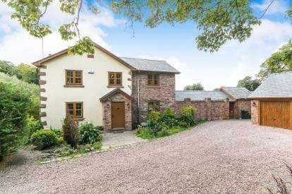 3 Bedrooms Detached House for sale in Hooton Lane, Childer Thornton, Cheshire, CH66