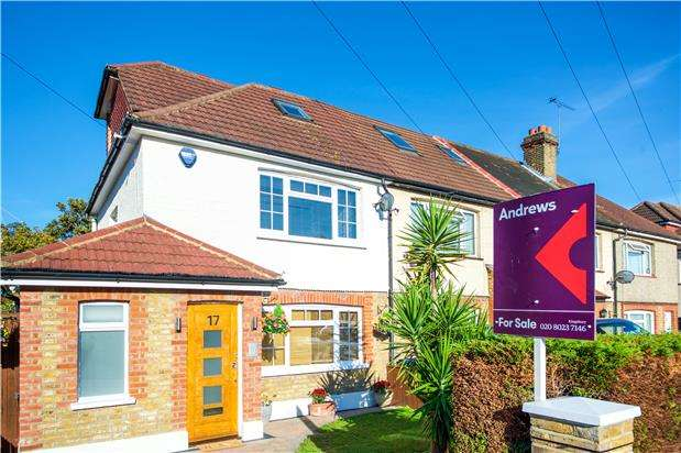 3 Bedrooms Terraced House for sale in Hyde Crescent, LONDON, NW9 7EY