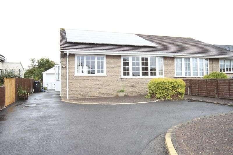 2 Bedrooms Property for sale in Wesley Avenue Hanham, Bristol