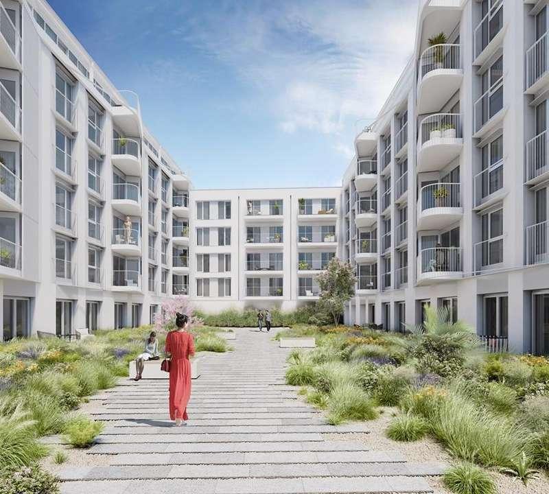 3 Bedrooms Apartment Flat for sale in Brighton Road, Worthing, BN11 2EN