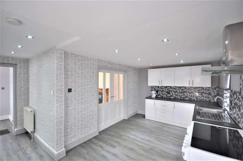 3 Bedrooms Semi Detached House for sale in Sherwood Avenue, Layton, Blackpool, Lancashire, FY3 7HT