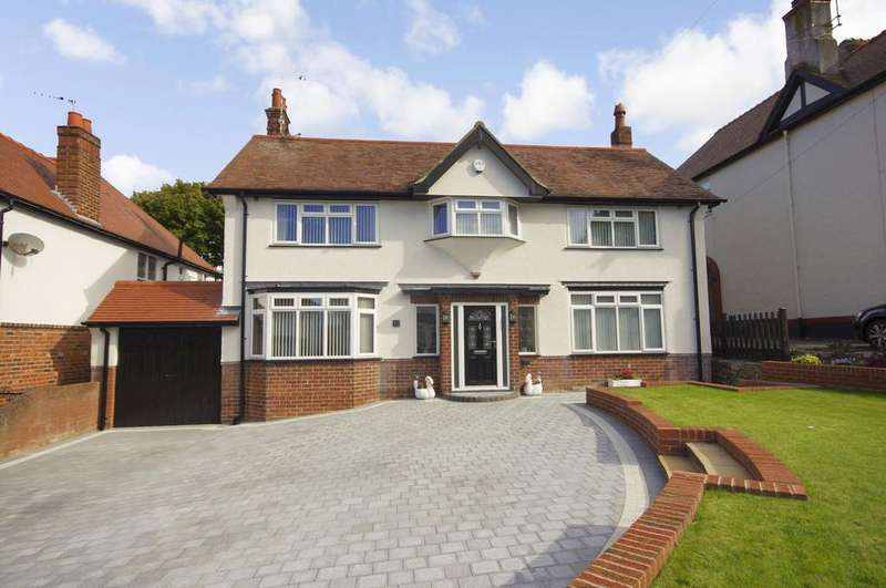 4 Bedrooms Detached House for sale in Coed Mor Drive, Prestatyn