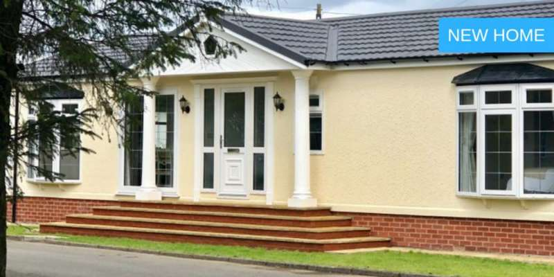 Park Home Mobile Home for sale in Heather Bank Park, Neilston