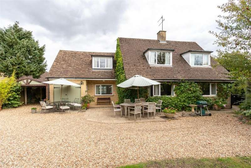 4 Bedrooms Detached House for sale in Rissington Road, Bourton on the Water, Gloucestershire