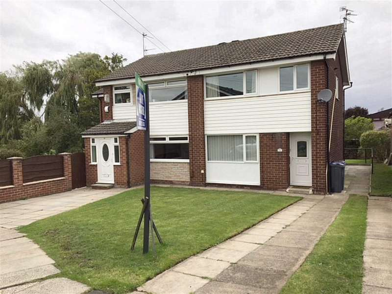 3 Bedrooms Semi Detached House for sale in Lingcrest Close, Levenshulme, Manchester