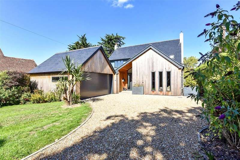 4 Bedrooms Detached House for sale in Smugglers Lane, Bosham, Chichester, West Sussex, PO18