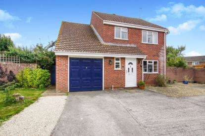 4 Bedrooms Detached House for sale in Cornwall Crescent, Yate, Bristol, South Gloucestershire