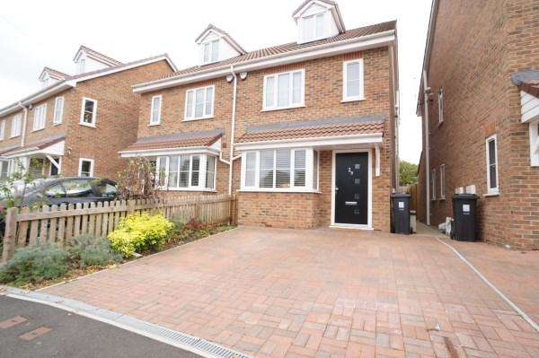 3 Bedrooms House for sale in Blackhorse Lane, Downend, Bristol, BS16 6TD