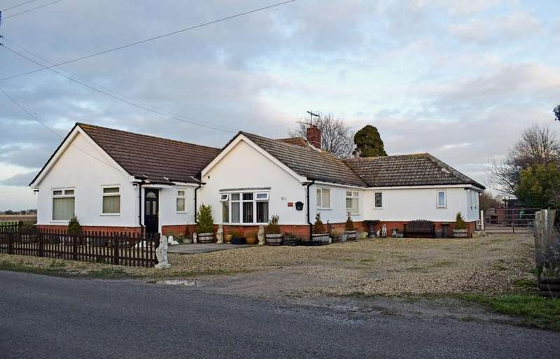 5 Bedrooms Detached Bungalow for sale in Spalding LINCOLNSHIRE