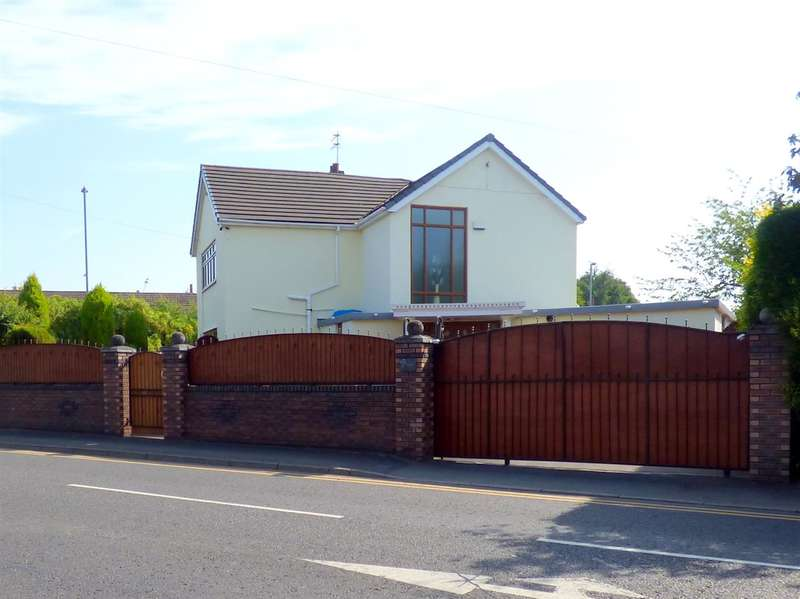 3 Bedrooms Detached House for sale in The Poplars, Wheathill Road, Huyton, Liverpool