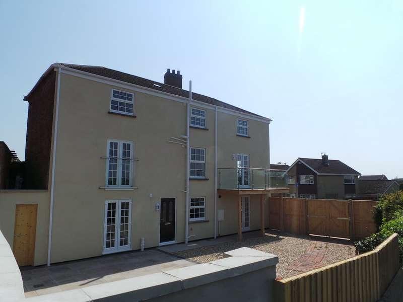 4 Bedrooms Detached House for sale in Trentside, Morton DN21