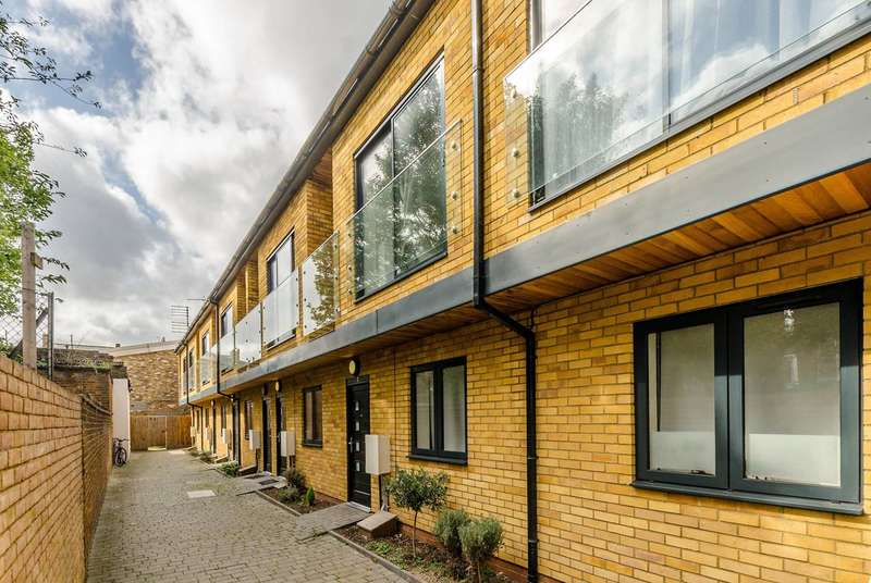 4 Bedrooms House for sale in Sussex Way, Archway, N19