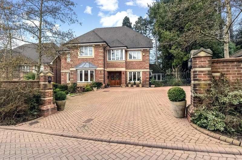 5 Bedrooms Detached House for sale in Saddlers Close, Arkley, Hertfordshire