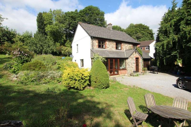 3 Bedrooms Detached House for sale in Buckfastleigh